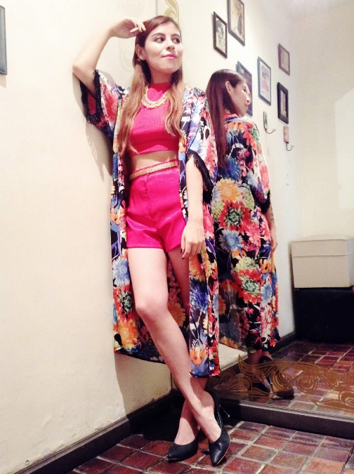 high-waisted-show-red-kimono-crop-top
