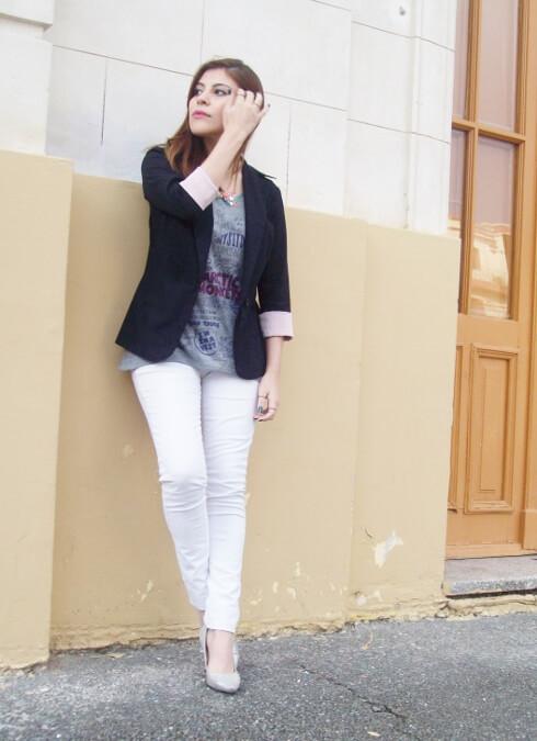 arctic-monkeys-tee-gray-black-blazer-white-jeans-streetstyle08