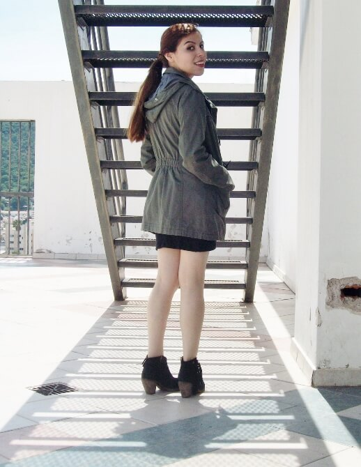 parka-black-mini-booties-white-tee-streetstyle03