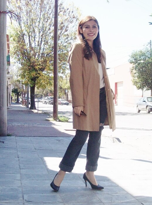 camel-trench-basics-wardrobe-essentials-streetstyle-02