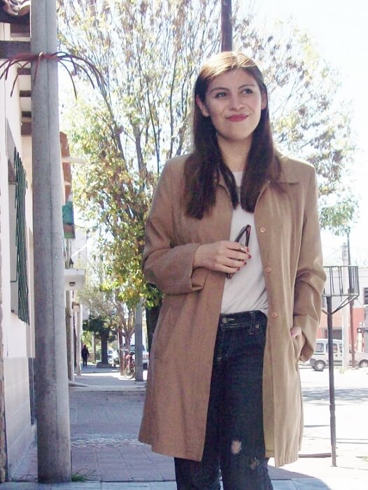 camel-trench-basics-wardrobe-essentials-streetstyle-03