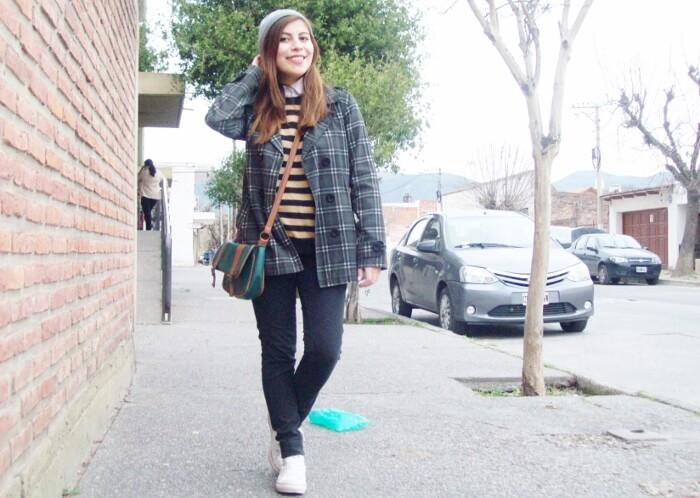 grey-plaid-coat-striped-sweater-pattern-mix-fall-winter-2015-streetstyle05