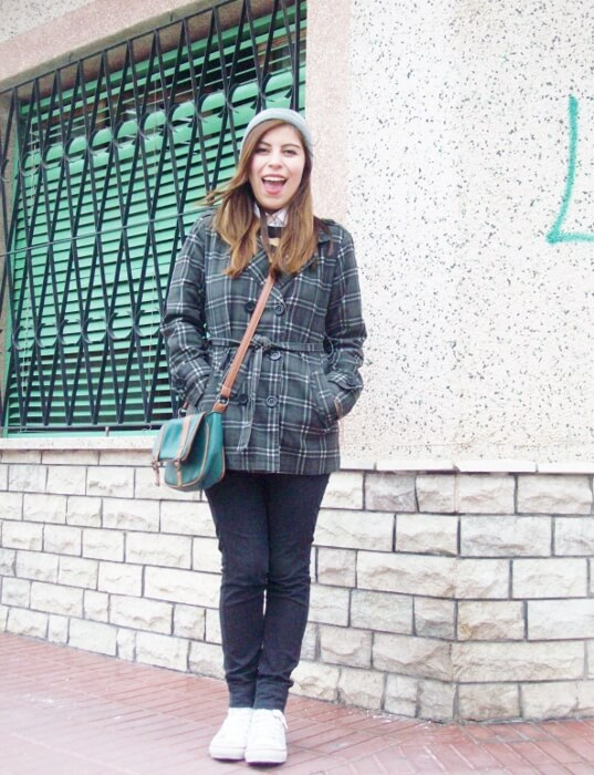 grey-plaid-coat-striped-sweater-pattern-mix-fall-winter-2015-streetstyle06