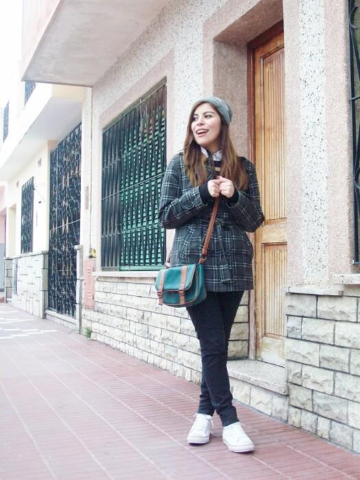 grey-plaid-coat-striped-sweater-pattern-mix-fall-winter-2015-streetstyle12