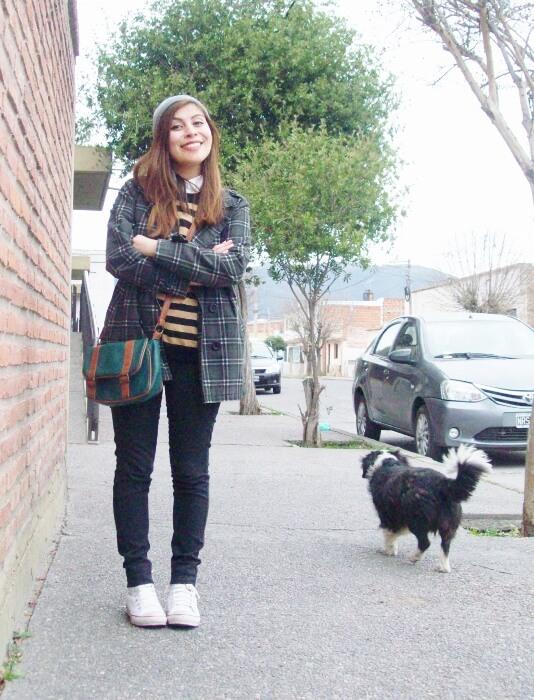 grey-plaid-coat-striped-sweater-pattern-mix-fall-winter-2015-streetstyle13