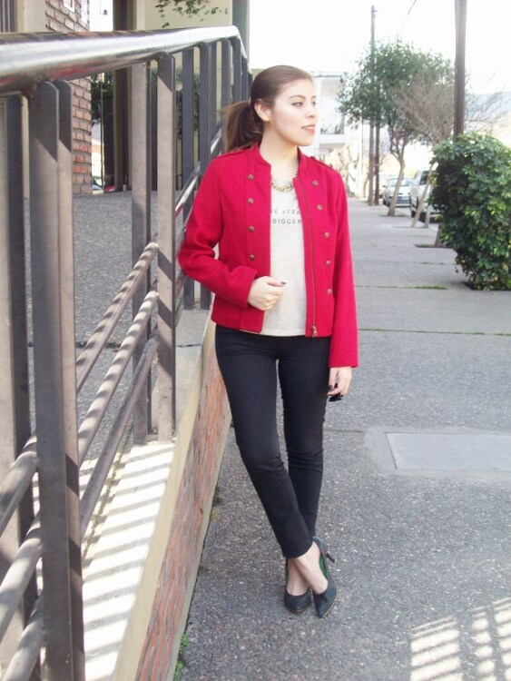 red-jacket-military-inspired-streetstyle-black-skinny-jeans-stilettos02
