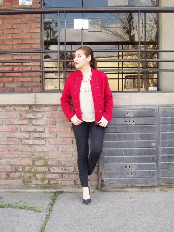red-jacket-military-inspired-streetstyle-black-skinny-jeans-stilettos13