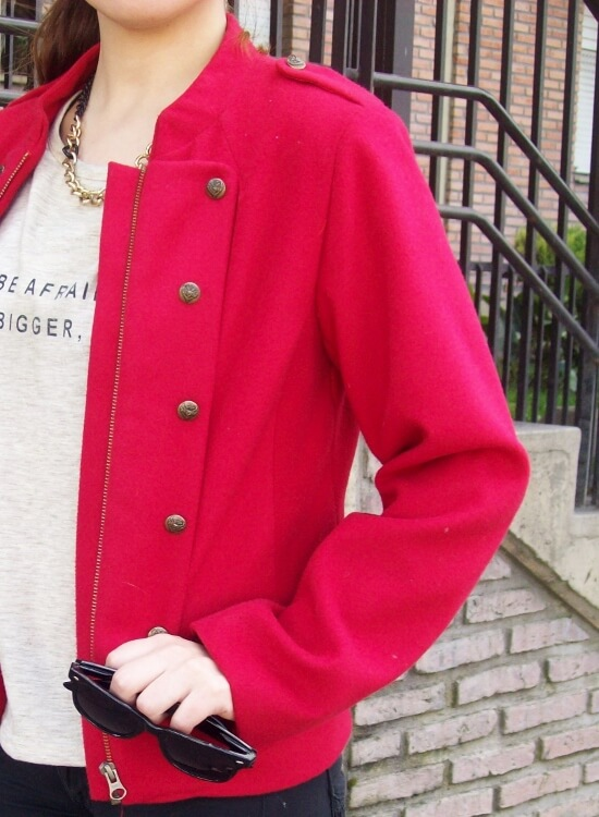 red-jacket-military-inspired-streetstyle-black-skinny-jeans-stilettos14