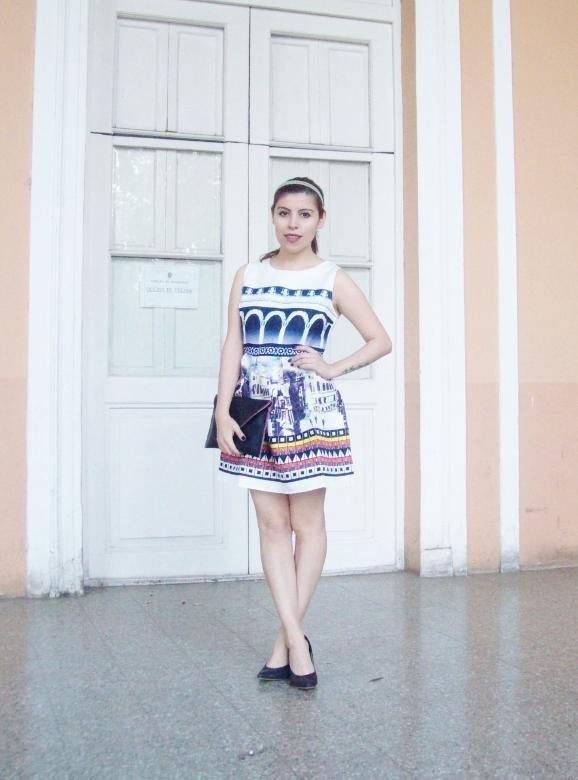 newdress-landscape-printed-fit-and-flare-dress-black-clutch-deborah-ferrero-blog-editorial02