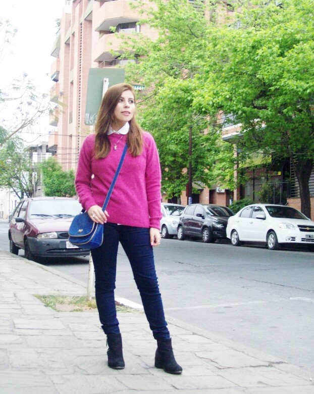 fuchsia-sweater-blue-jeans-color-bocking-streetstyle-ankle-boots01