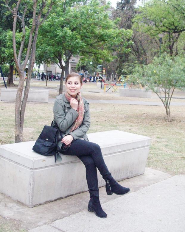 parka-fluffy-sweater-maxi-scarf-olive-military-green-with-orange-streetstyle-deborahferrero-stylebydeb10