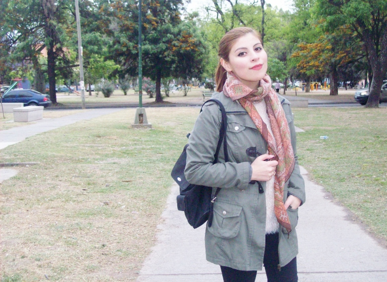 parka-fluffy-sweater-maxi-scarf-olive-military-green-with-orange-streetstyle-deborahferrero-stylebydeb13