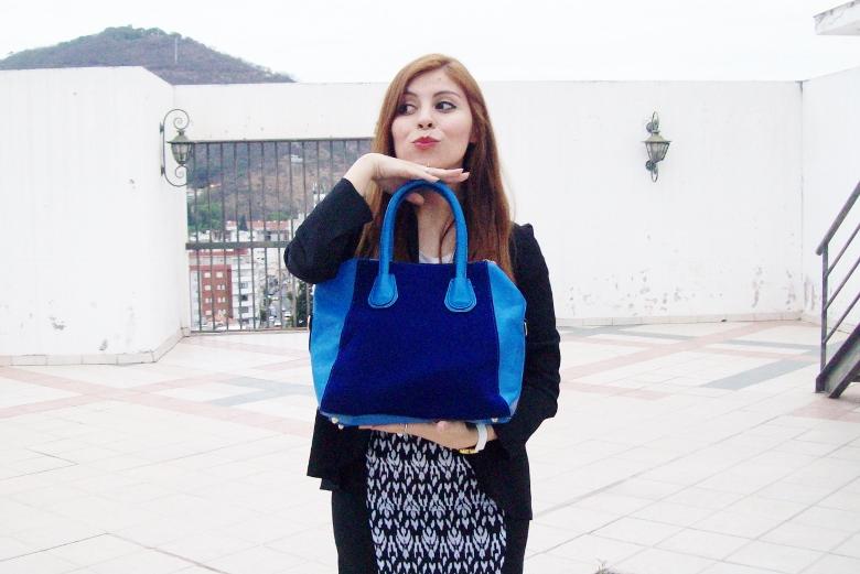 rosegal-cobalt-tote-bag-floral-watch-patterned-pencil-skirt-pr-friendly-fashion-blogger-stylebydeb-deborah-ferrero-streetstyle09