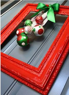12 - The finishing touch - Picture Frame Wreath