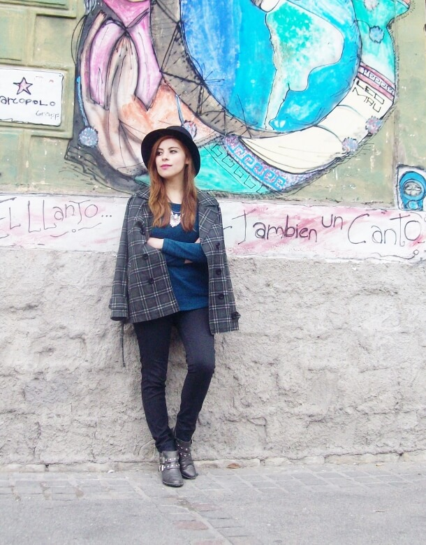emerald-blue-sweater-black-skinny-jeans-grey-anle-boots-fall2015-streetstyle02