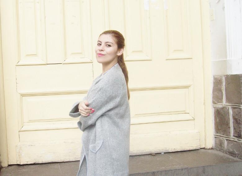 romwe-grey-oversized-cardigan-coat-winter2015-streetstyle09