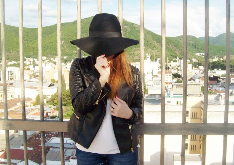 zaful-fedora-hat-faux-leather-biker-jacket-western-style-cowgirl-boho-trend10