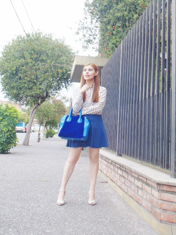 preppy-blue-skater-mini-button-up-shirt-strappy-sandals-rosegal-blue-tote-bag-streetstyle02