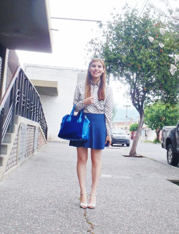 preppy-blue-skater-mini-button-up-shirt-strappy-sandals-rosegal-blue-tote-bag-streetstyle05