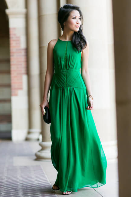 15 - wendyslookbook - emeral green maxi dress stylish st patricks outfit ideas