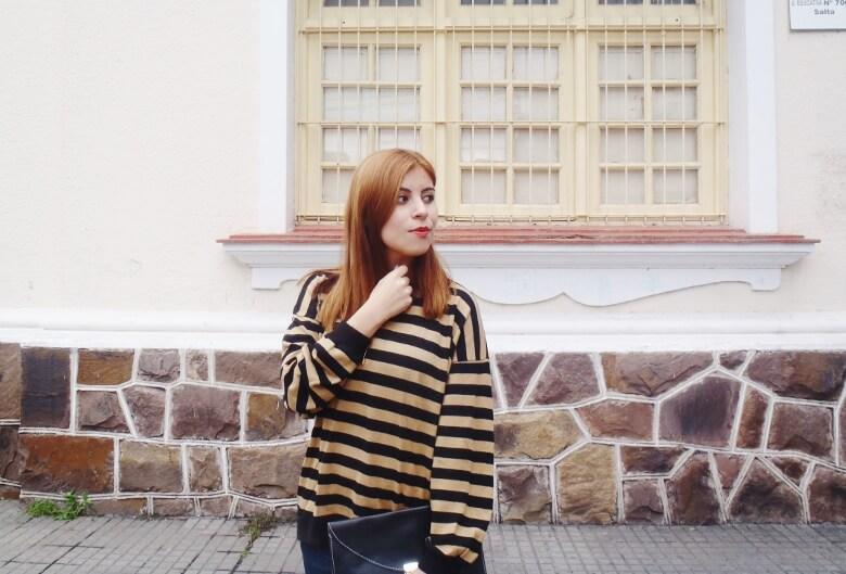 striped-sweater-ripped-bopyfriend-jeans-black-stiletto-pumps-newdress-clutch-fall2016trends-08