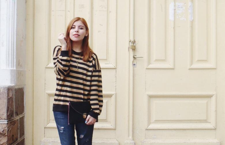 striped-sweater-ripped-bopyfriend-jeans-black-stiletto-pumps-newdress-clutch-fall2016trends-12