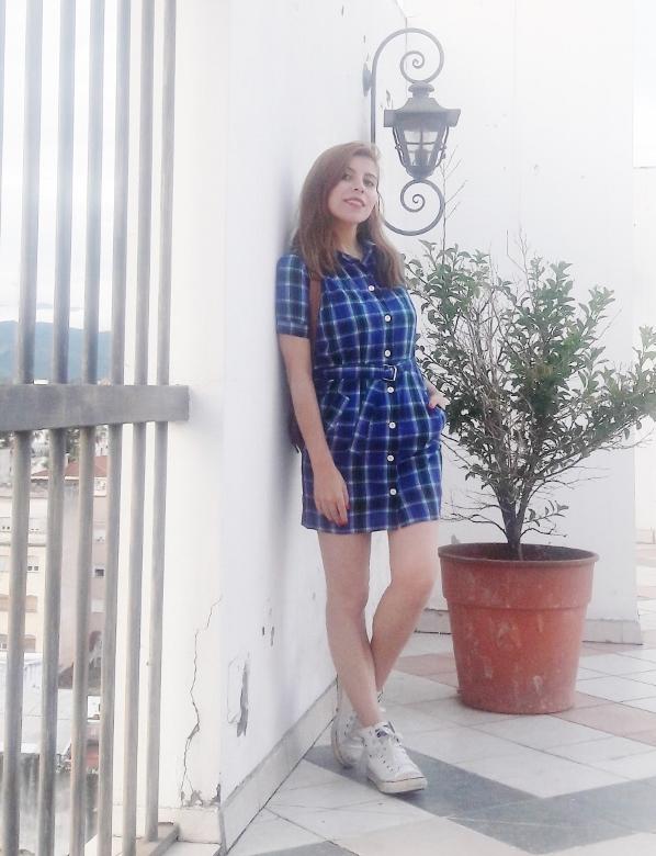 shirt-dress-blue-plaid-tartan-white-converse-fall2016trends-deborah-ferrero-stylebydeb05