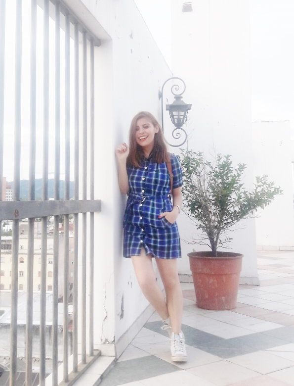 shirt-dress-blue-plaid-tartan-white-converse-fall2016trends-deborah-ferrero-stylebydeb09