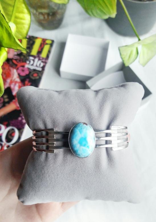 Larimar com atlantis stone healing gemstones larimar bracelet cuff turquoise accessories summer 2016 trend deborah ferrero style by deb 02