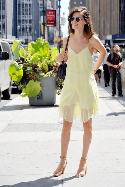 Minimal1 - pastel slip dress nude sandlas streetstyle how to wear slip dress trend 2016