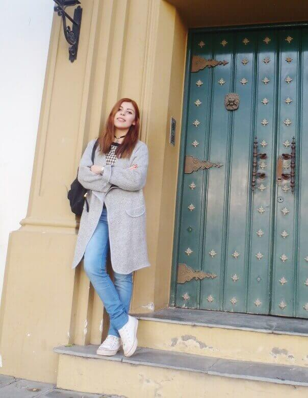 romwe gray long coat light blue jeans converse sneakers choker deborah ferrero streetstyle style by deb02