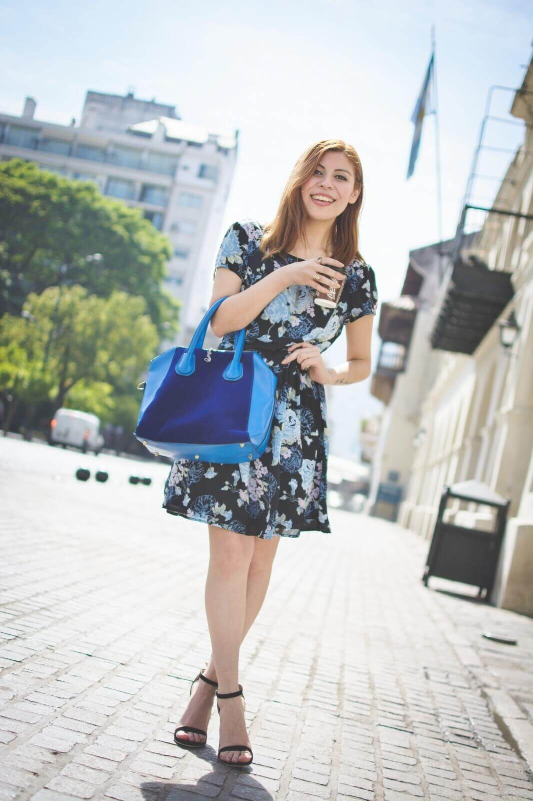 gamiss-black-strappy-sandals-blue-floral-dress-rosegal-cobalt-blue-tote-bag-deborah-ferrero-style-by-deb01