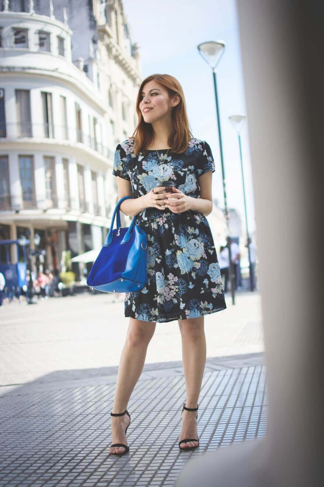 gamiss-black-strappy-sandals-blue-floral-dress-rosegal-cobalt-blue-tote-bag-deborah-ferrero-style-by-deb02