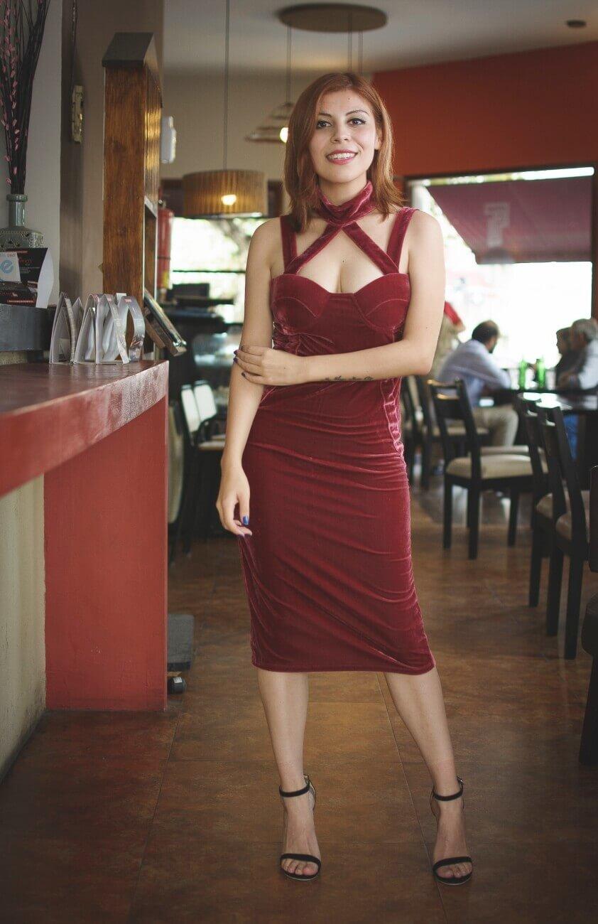 shein pink velvet halter straps dress deborah ferrero style by deb salta streetstyle gamiss black sandals02