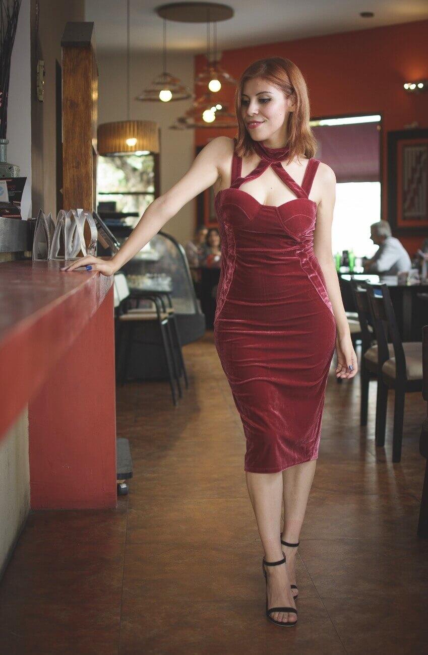 shein pink velvet halter straps dress deborah ferrero style by deb salta streetstyle gamiss black sandals15