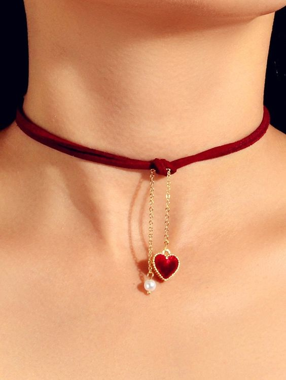 dresslily cheap affordable burgundy velvet choker with heart and pearl pendant