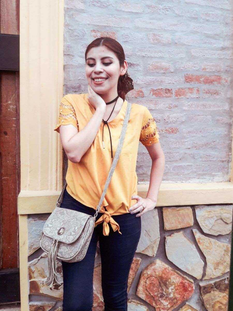 oeyes mustard yellow top