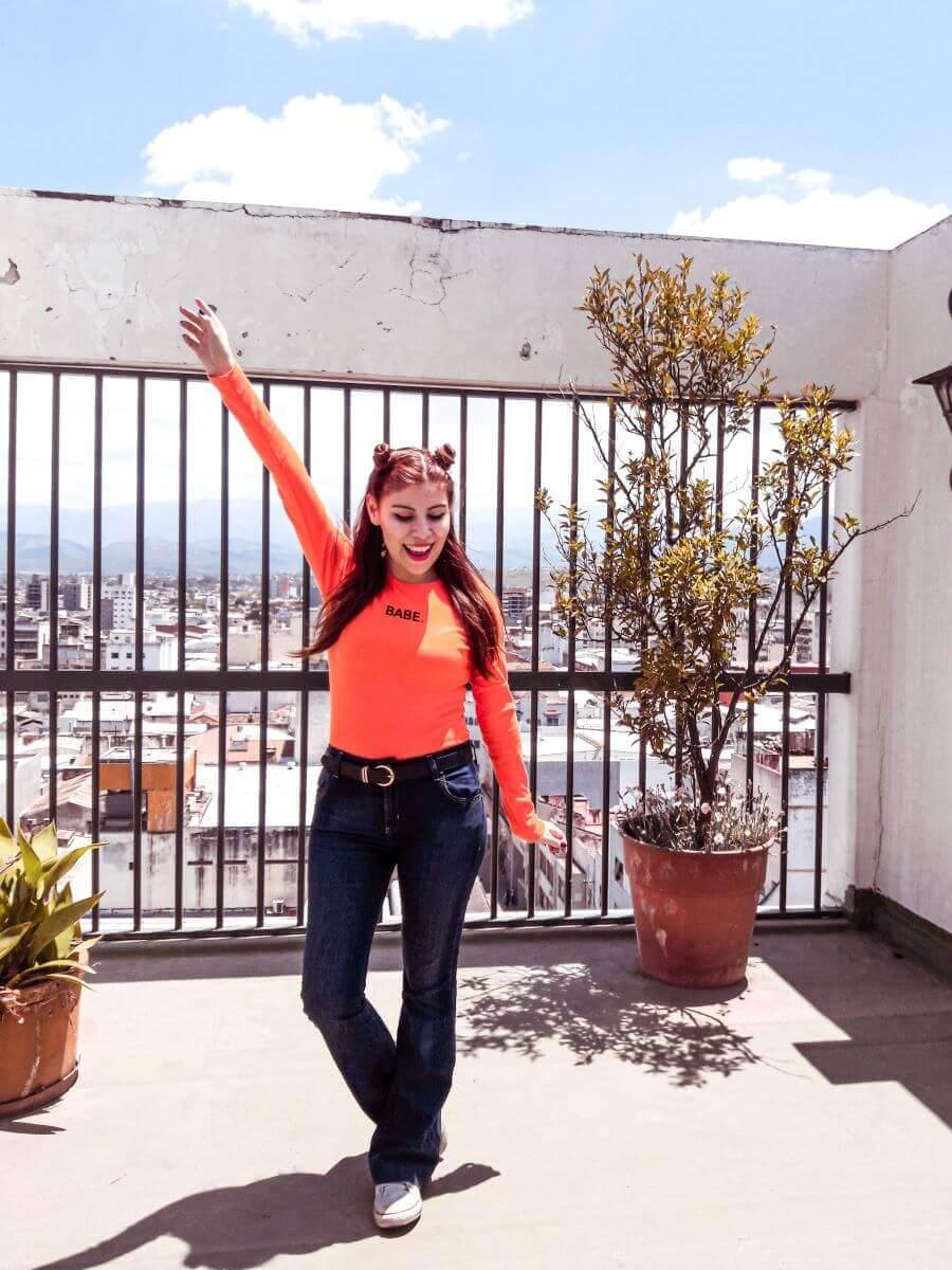 oeyes babe orange bodysuit deborah ferrero style by deb blogger salteña