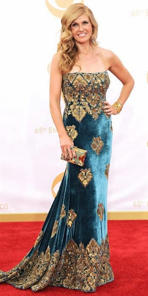 Connie Britton - Naeem Khan (300x600)
