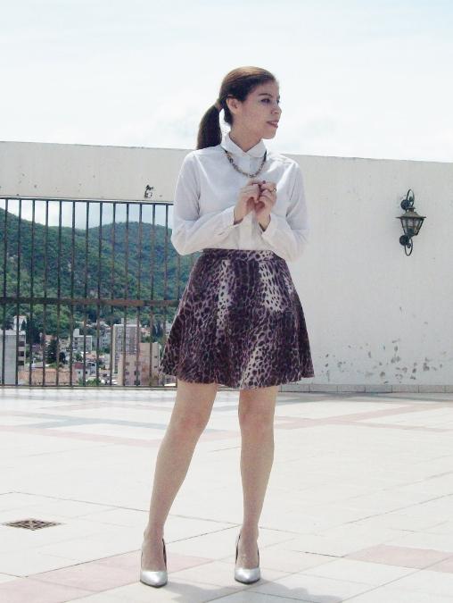 animal-print-skater-skirt-white-shirt-streetstyle-girly04