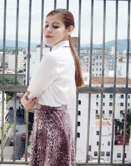 animal-print-skater-skirt-white-shirt-streetstyle-girly07