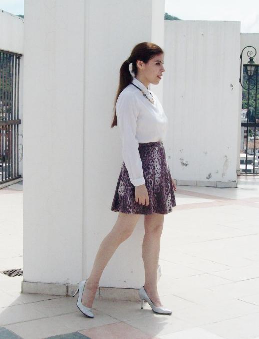 animal-print-skater-skirt-white-shirt-streetstyle-girly09