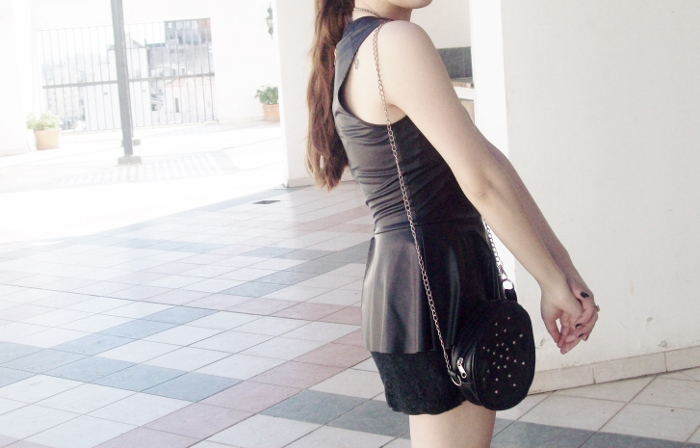 black-faux-leather-peplum-lace-shorts-streetstyle-blogger-summer2015 - 09