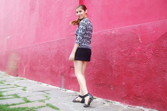 blackandwhite-printed-blouse-summer2015-streetstyle-casual01