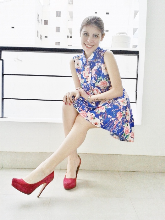 blue-floral-dress-pink-shoes-pumps-streetstyle-blogger-argentina10