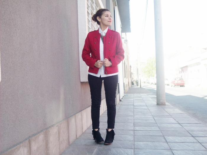 red-military-jacket-streetstyle-fallstyle03