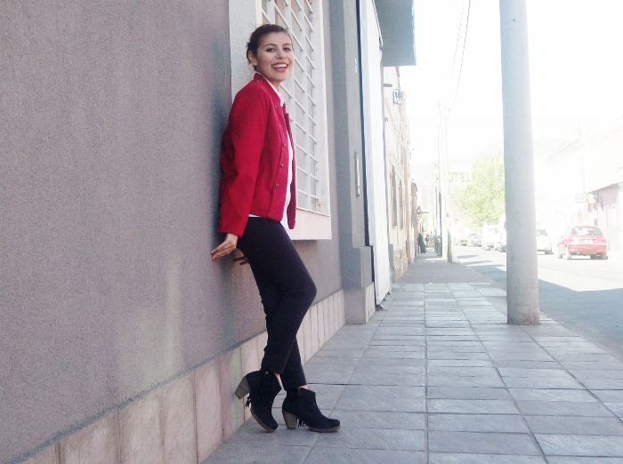 red-military-jacket-streetstyle-fallstyle09