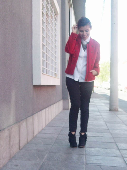 red-military-jacket-streetstyle-fallstyle10