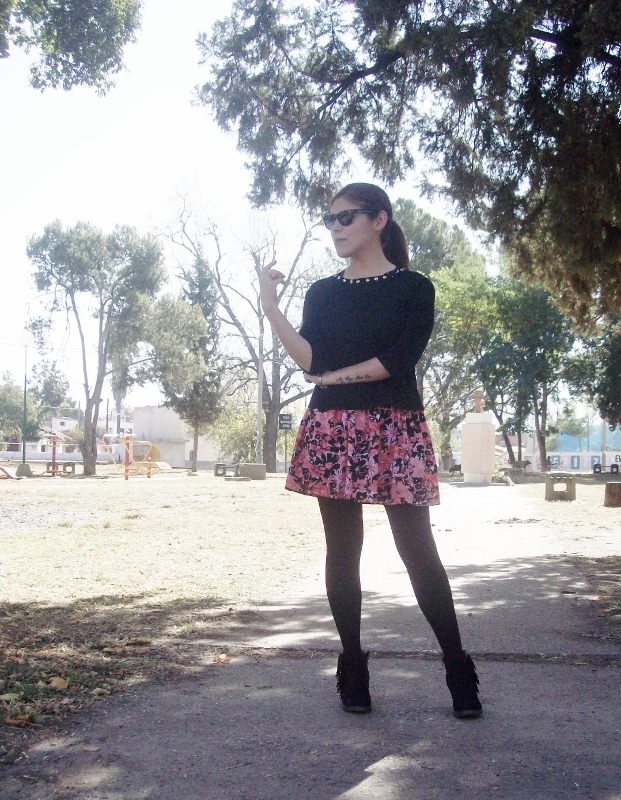 studs-floral-fashion-blogger-streetstyle-winter-tights-booties01