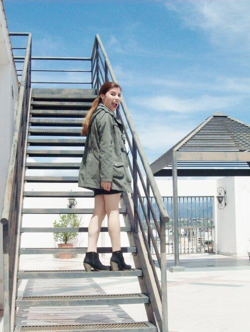 parka-black-mini-booties-white-tee-streetstyle008